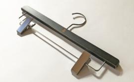 CALSA長崎トラウザーズ オリジナルハンガーを作成しました。
